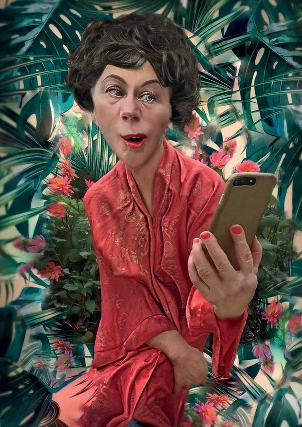 Cindy Sherman - Série feita pela artista americana para a revista W, na qual ela distorce as próprias feições com aplicativos de edição de imagem (Foto: Divulgação)