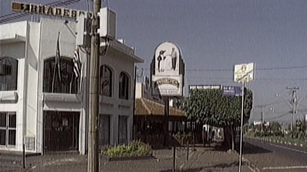 Crime ocorreu em frente a choperia em Ribeirão Preto, em abril de 1997 (Foto: Reprodução/EPTV/Arquivo)
