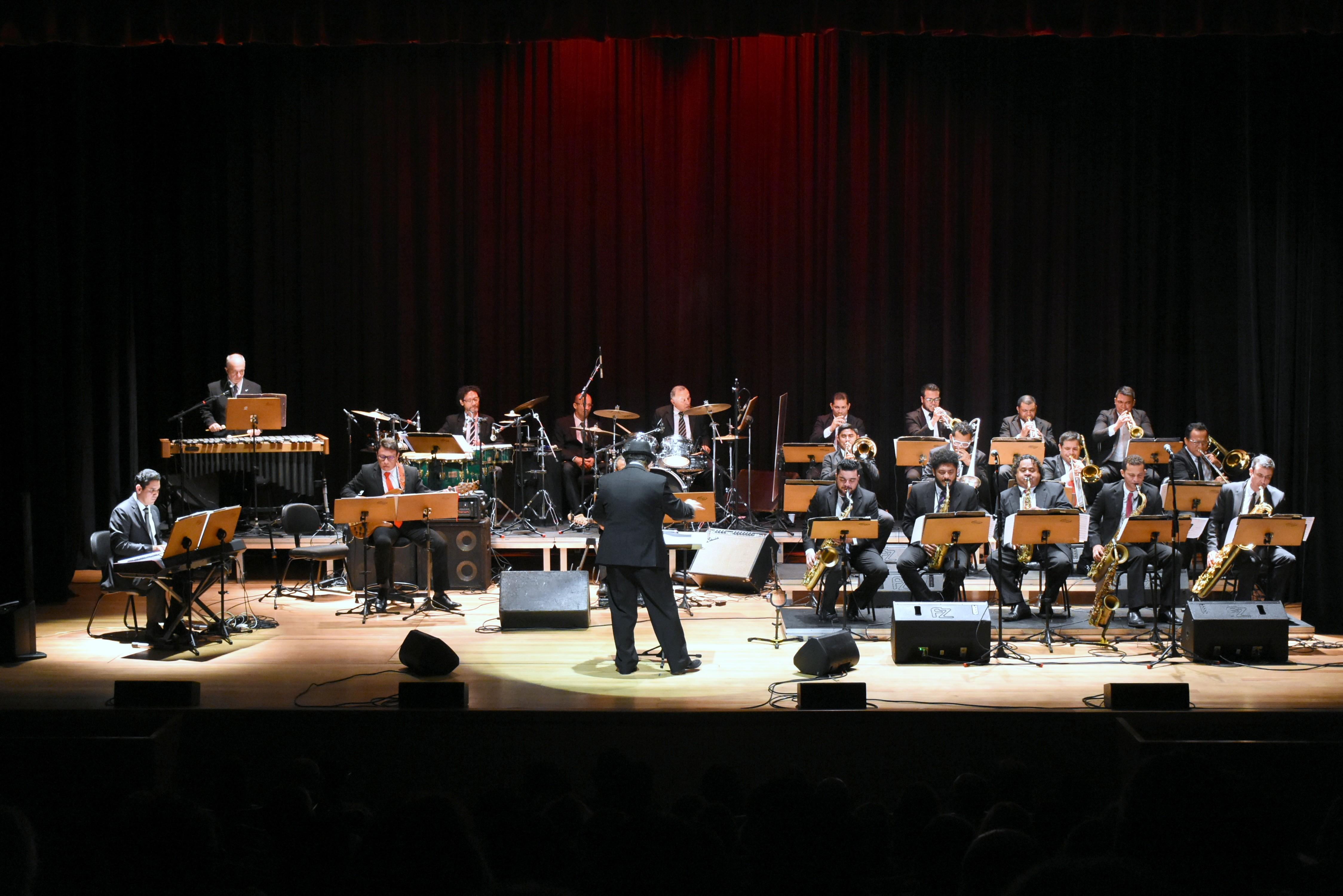 Percussão é destaque em concerto do Amazônia Jazz Band desta quarta-feira