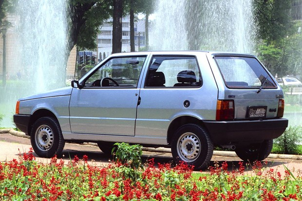 Fiat Uno Mille foi aperfeiçoado continuamente, a primeira modificação foi o Eletronic (Foto: Divulgação)