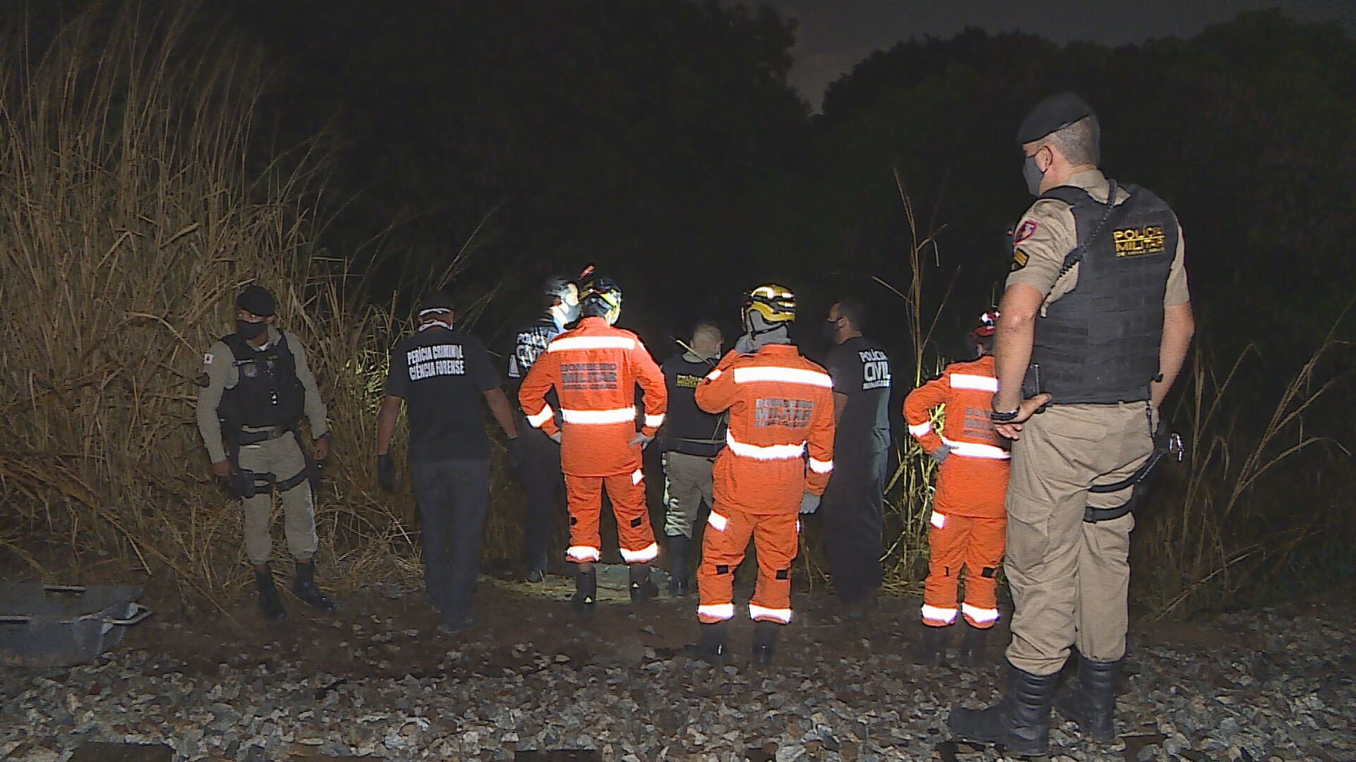 Polícia Militar encontra corpo em decomposição em terreno de Betim, na Grande BH