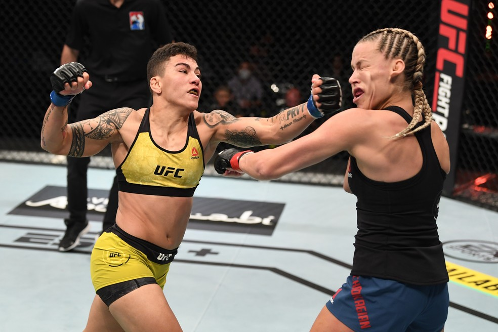 Jéssica Bate-Estaca Katlyn Chookagian UFC Ortega x Zumbi Coreano — Foto: Getty Images