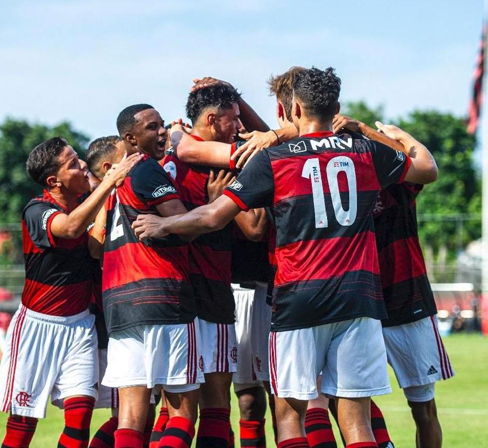 Deu Mengão! Flamengo goleia Resende e se classifica para as quartas de final da Taça Guanabara