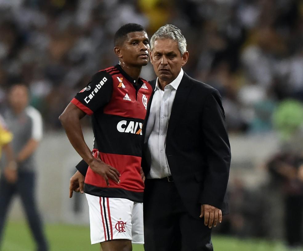 Márcio Araújo deixou o Flamengo depois de longo período na Gávea. Saída de Rueda rendeu mais de R$ 2 milhões pela multa rescisória (Foto: André Durão)