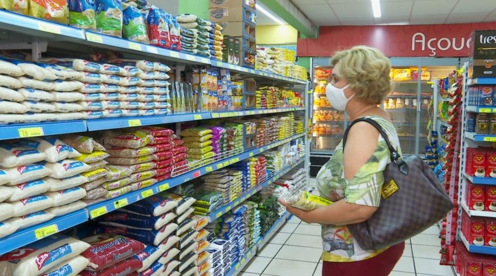Com alta de 3,08% em agosto, arroz passou a acumular no ano avanço de 19,25%, segundo o IBGE — Foto: Chico Escolano/EPTV