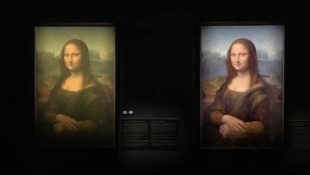 Da esquerda para a direita, a versão atual da Mona Lisa e a versão original de quando foi pintada por Leonardo Da Vinci (Foto: Época Negócios)
