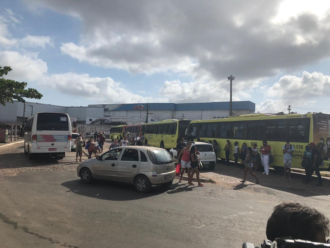 Após motorista de ônibus ser assassinado, rodoviários paralisam as atividades em São Luís