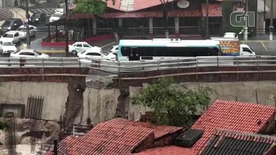 Obra de hotel cede em bairro turístico de Fortaleza durante maior chuva da pré-estação no Ceará