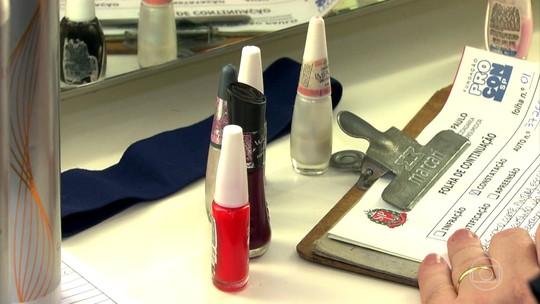 Como são criados os nomes dos esmaltes? Produto vencido, acetona, removedor; Bem Estar fala sobre a saúde das unhas