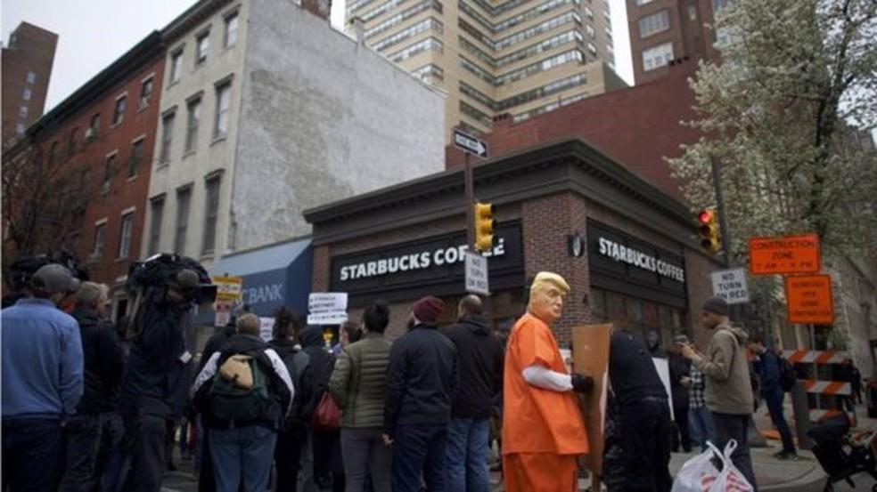 Starbucks se desculpou pelo ocorrido na Filadélfia (Foto: Getty Images)