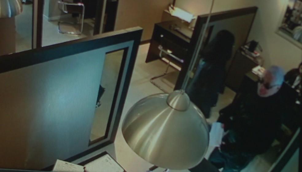 Médico condenado a 130 anos de prisão é preso em Santa Maria — Foto: Reprodução / RBS TV