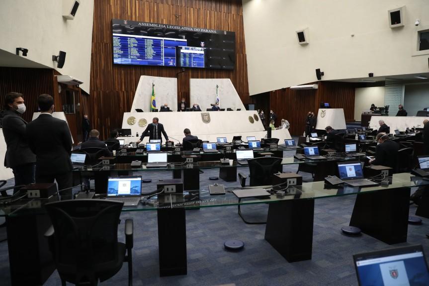 Deputados aprovam projeto que obriga concessionárias de pedágio a divulgar repasses de ISS aos municípios do Paraná