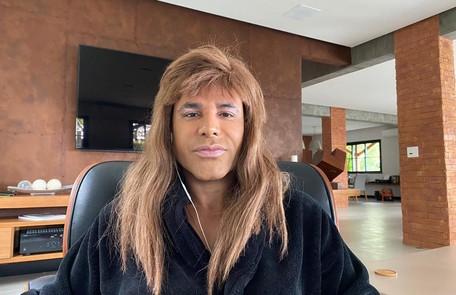 Rodrigo Sant'Anna mostra sua casa em gravação de 'Vai passar', do Multishow Divulgação