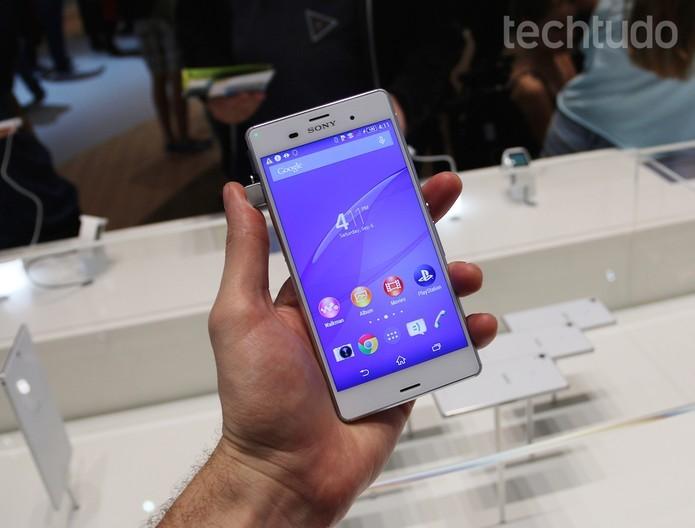 Xperia Z3 tem câmera de 20,7 megapixels, Android KitKat e tela Full HD (Foto: Fabrício Vitorino/TechTudo) (Foto: Xperia Z3 tem câmera de 20,7 megapixels, Android KitKat e tela Full HD (Foto: Fabrício Vitorino/TechTudo))