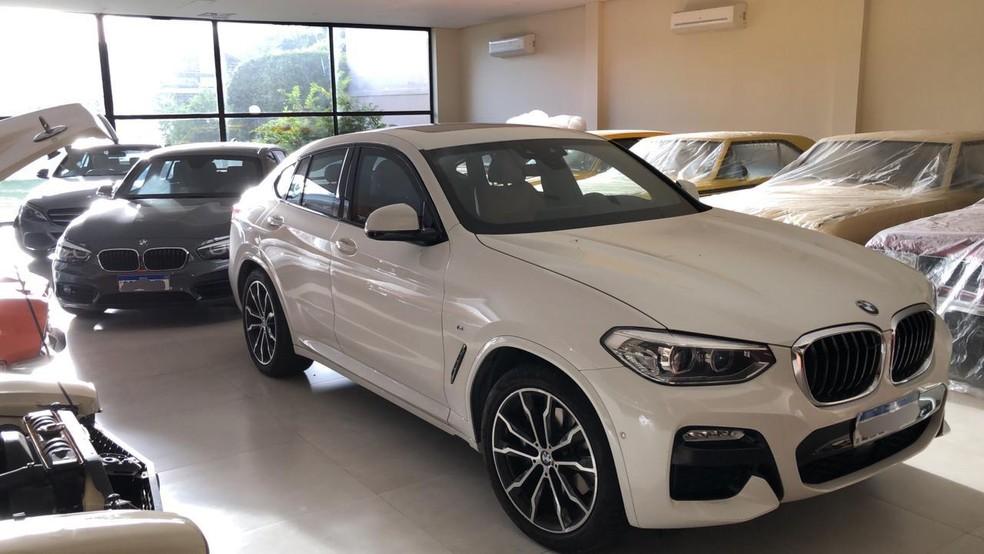 BMWs apreendidos na Operação Predestinado, da PF — Foto: Reprodução