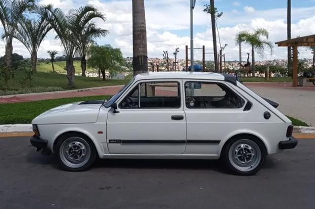 Rodas, pneus e suspensão são mais esportivos que as do 147 Rallye original (Foto: Divulgação)