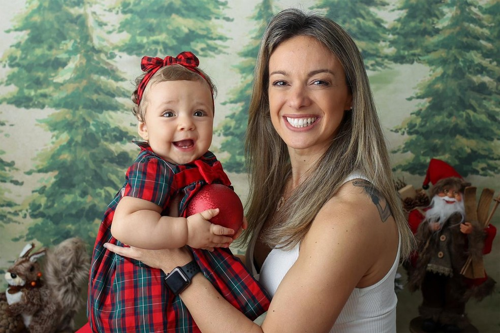 Carol Soares preparada para o primeiro Natal com Bella — Foto: Arquivo Pessoal