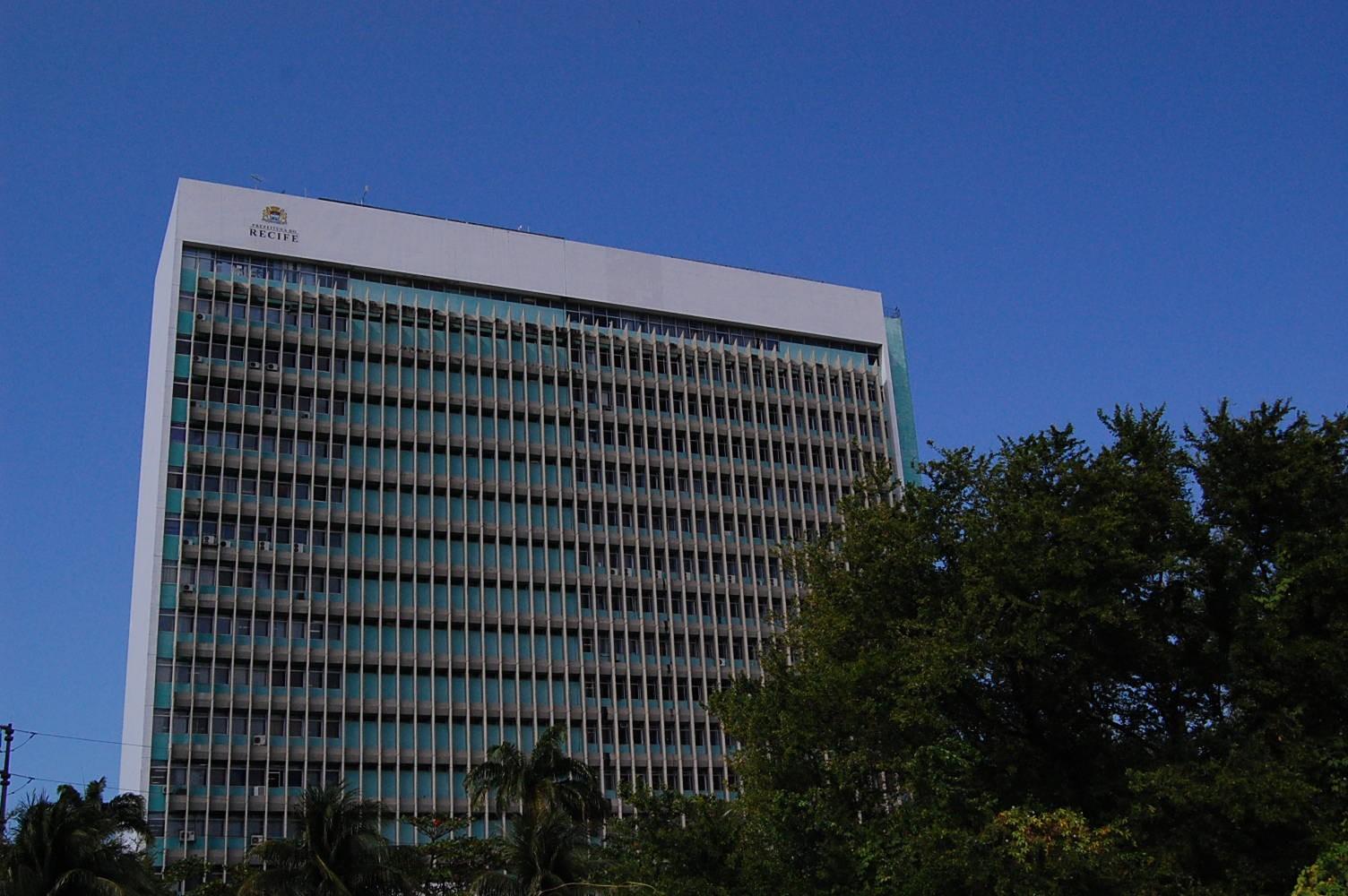 Solicitação de licenciamentos para habitação e obras em imóveis no Recife passa a ser feita pela internet
