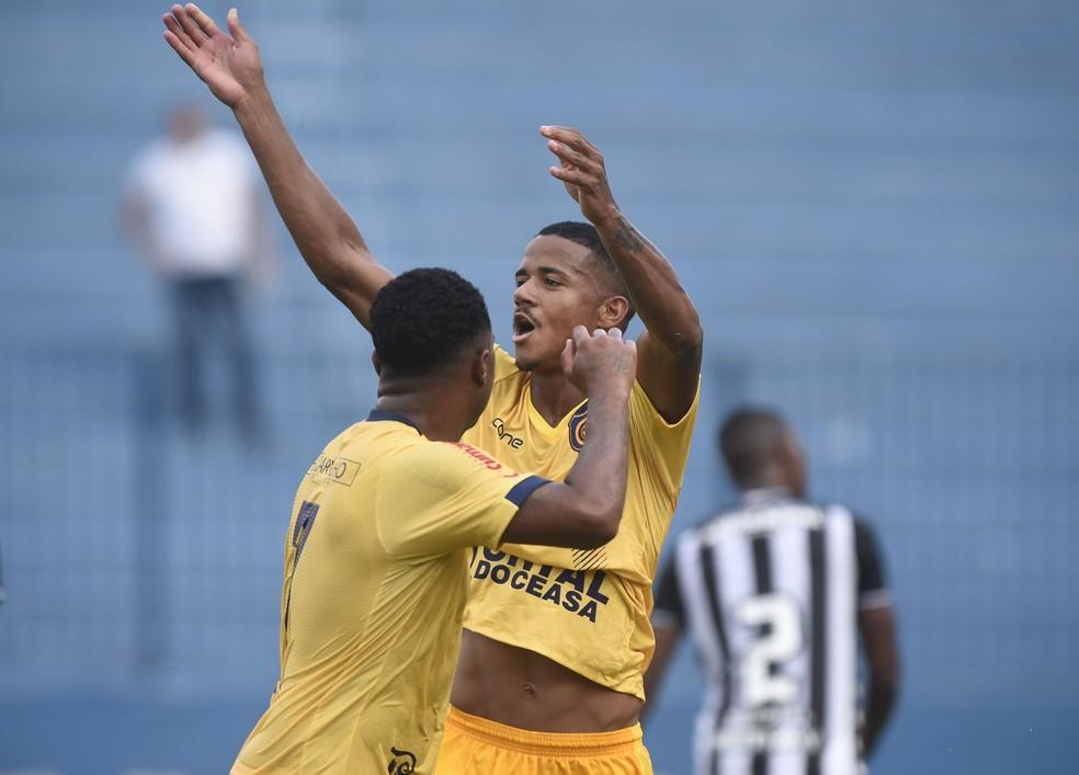 Ygor Catatau marcou três gols no Carioca — Foto: André Durão/GloboEsporte.com