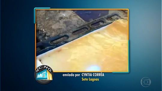 Água com cor alaranjada preocupa moradores de Sete Lagoas, em MG