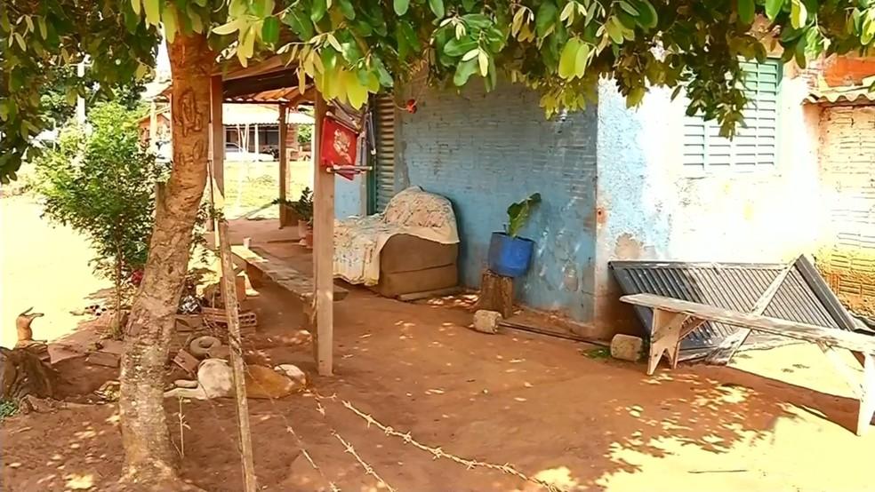 Local onde a criança estava e acabou sendo picada por escorpião — Foto: Reprodução/TV TEM