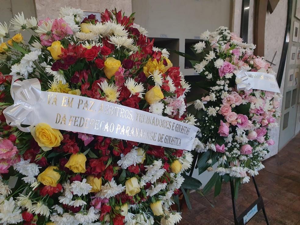 Amigos e familiares fazem homenagem à ex-ginasta Ana Paula Scheffer, em Toledo — Foto: Anna Flavia Nunes/RPC Cascavel