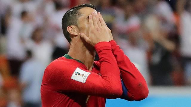Reação de Cristiano Ronaldo depois de perder o pênalti em Irã x Portugal