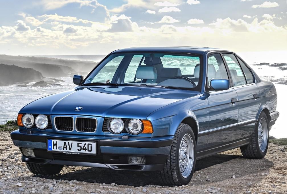 BMW 540i 1994 — Foto: Divulgação/BMW