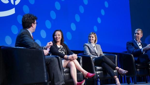 Jonathan Zittrain,  professor da Harvard Law School; Caroline Chan, vice-presidente de Data Center da Intel; e Eliza McNitt, escritora e diretora de cinema; e John Ellis, fundador da Ellis & Associates (Foto: Divugação)
