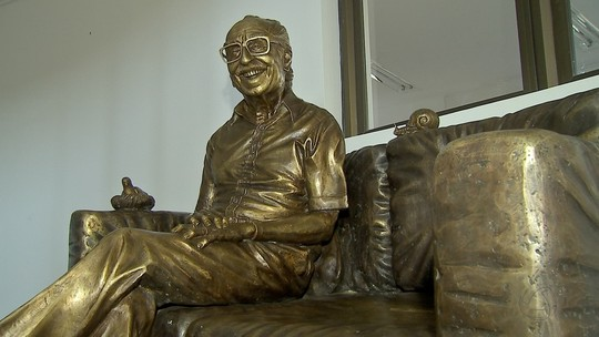 MP sugere que estátua de Manoel de Barros seja colocada nos altos da Afonso Pena