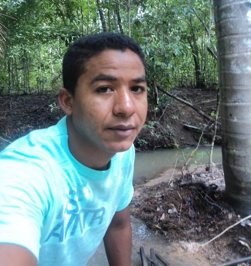 Jonaldo foi assassinado em uma festa em Divinópolis (Foto: Reprodução/Facebook)