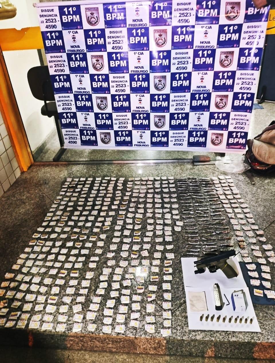 Comércio é fechado no Rui Sanglard, em Nova Friburgo, RJ, após suspeito de tráfico morrer em confronto