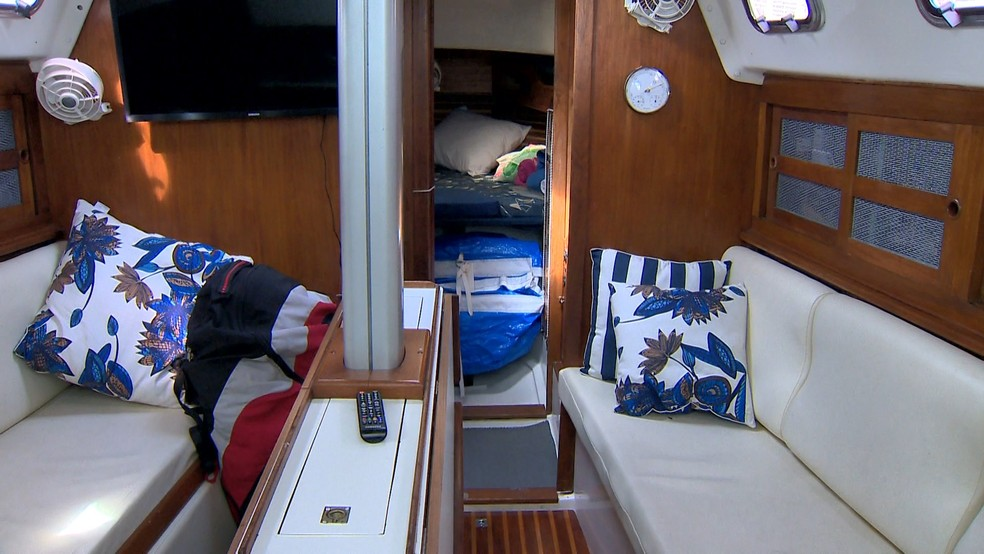 Capixaba vai atravessar o mundo em quatro anos a bordo de veleiro — Foto: Reprodução/ TV Gazeta