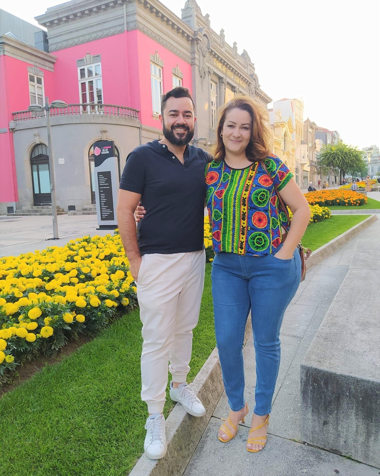 Os brasileiros Bruno Matos e Isabella Guedes no centro de Braga