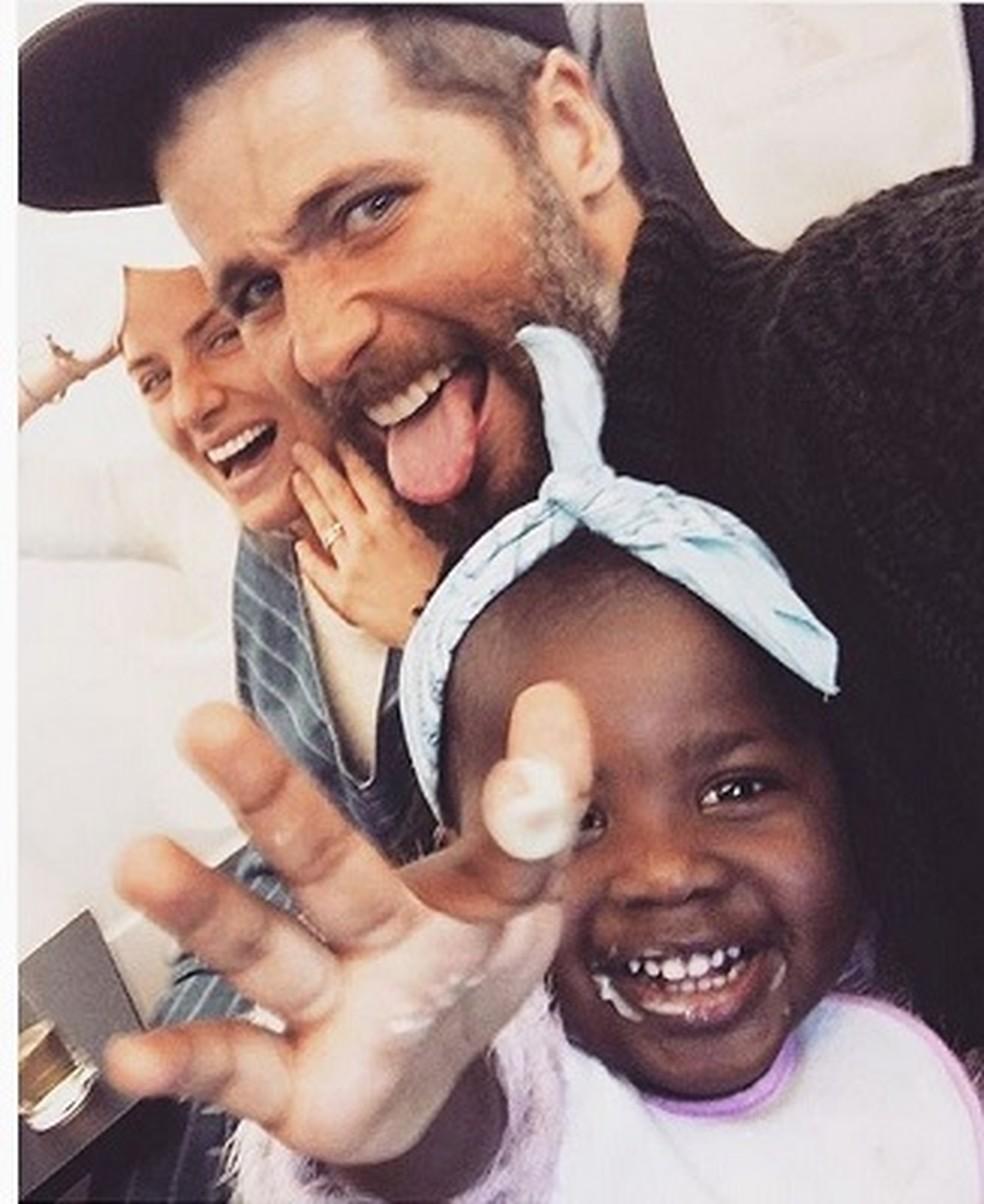 Bruno Gagliasso, Giovanna Ewbank e a filha Titi (Foto: Reprodução / Instagram)
