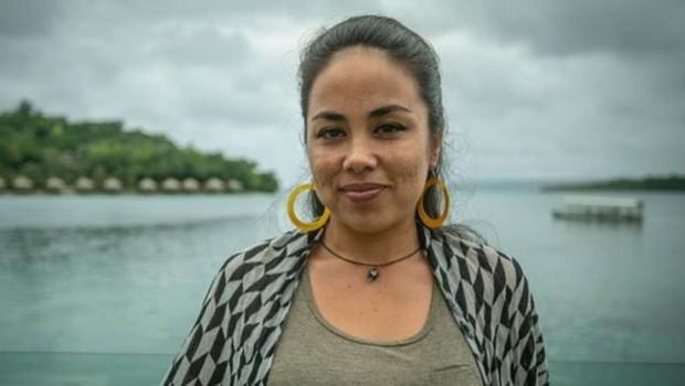 Yasmin Bjornum diz que existe uma ligação entre a falta de representação feminina no parlamento e a alta taxa de violência contra as mulheres (Foto: CHRIS MORGAN/BBC)