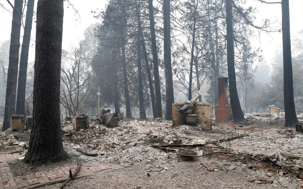Destruição na cidade de Paradise, na Califórnia — Foto: Terray Sylvester / Reuters