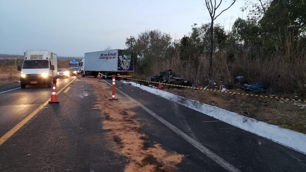Acidente ocorreu no município de Joaquim Felício — Foto: Paula Alves/Inter TV