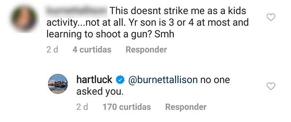 Carey Hart ganhou críticas e elogios ao mostrar seus filhos manuseando armas de fogo (Foto: Reprodução / Instagram)