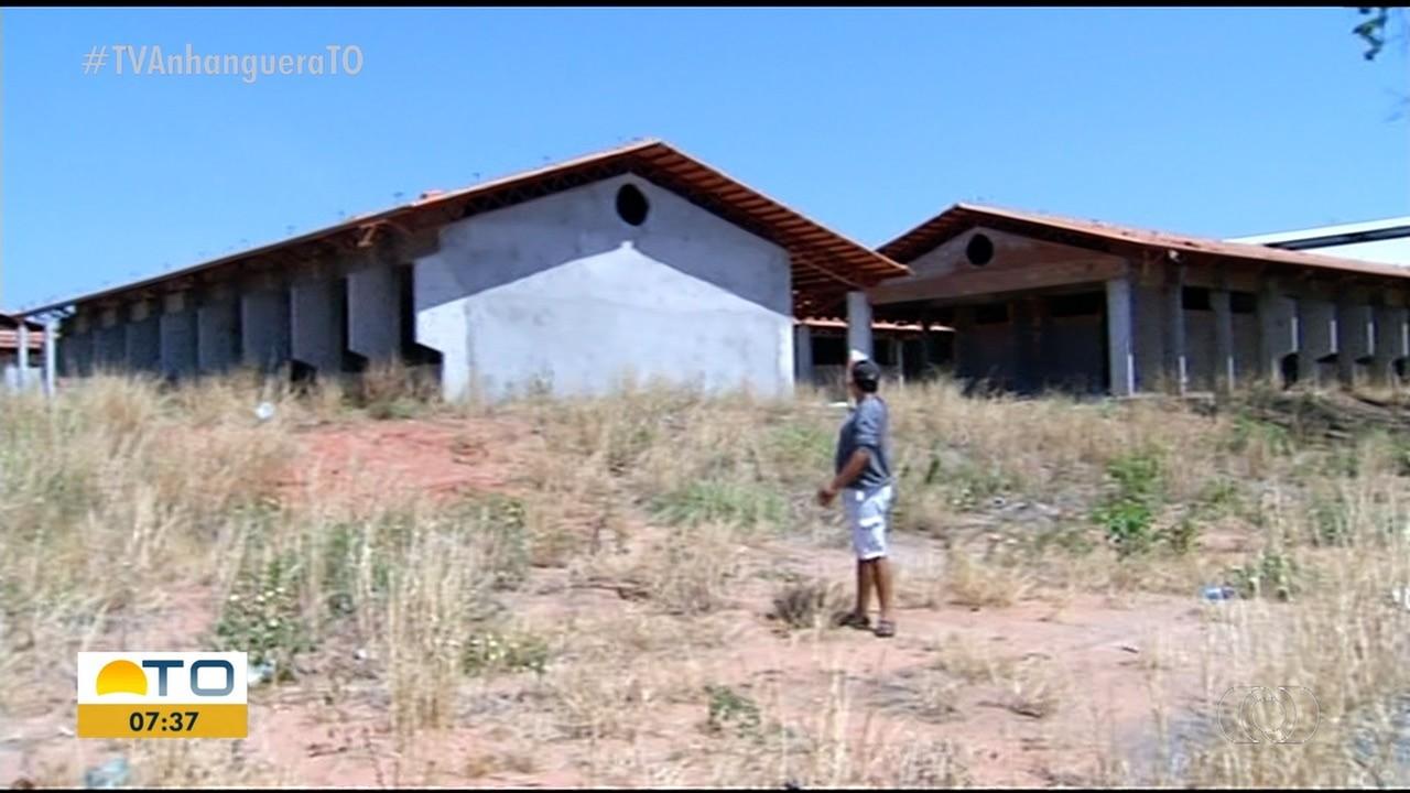 Obras de escola e posto de saúde paradas prejudicam moradores de setor em Araguaína - Notícias - Plantão Diário
