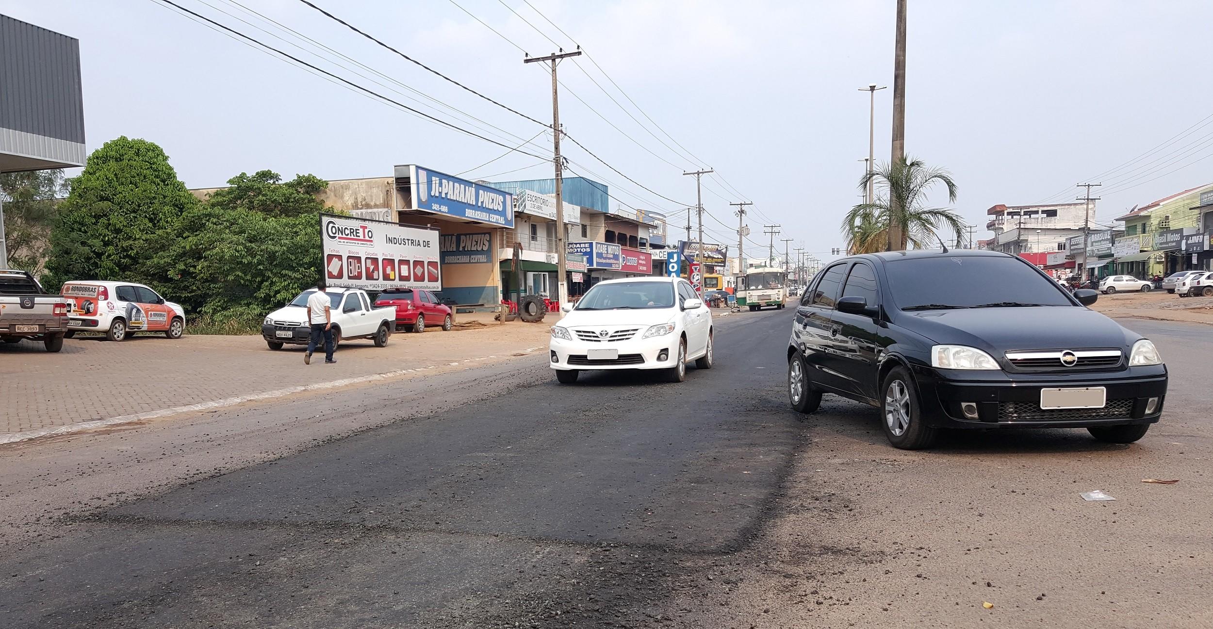 Obra deve recapear 4,7 quilômetros de asfalto em ruas de Ji-Paraná, RO