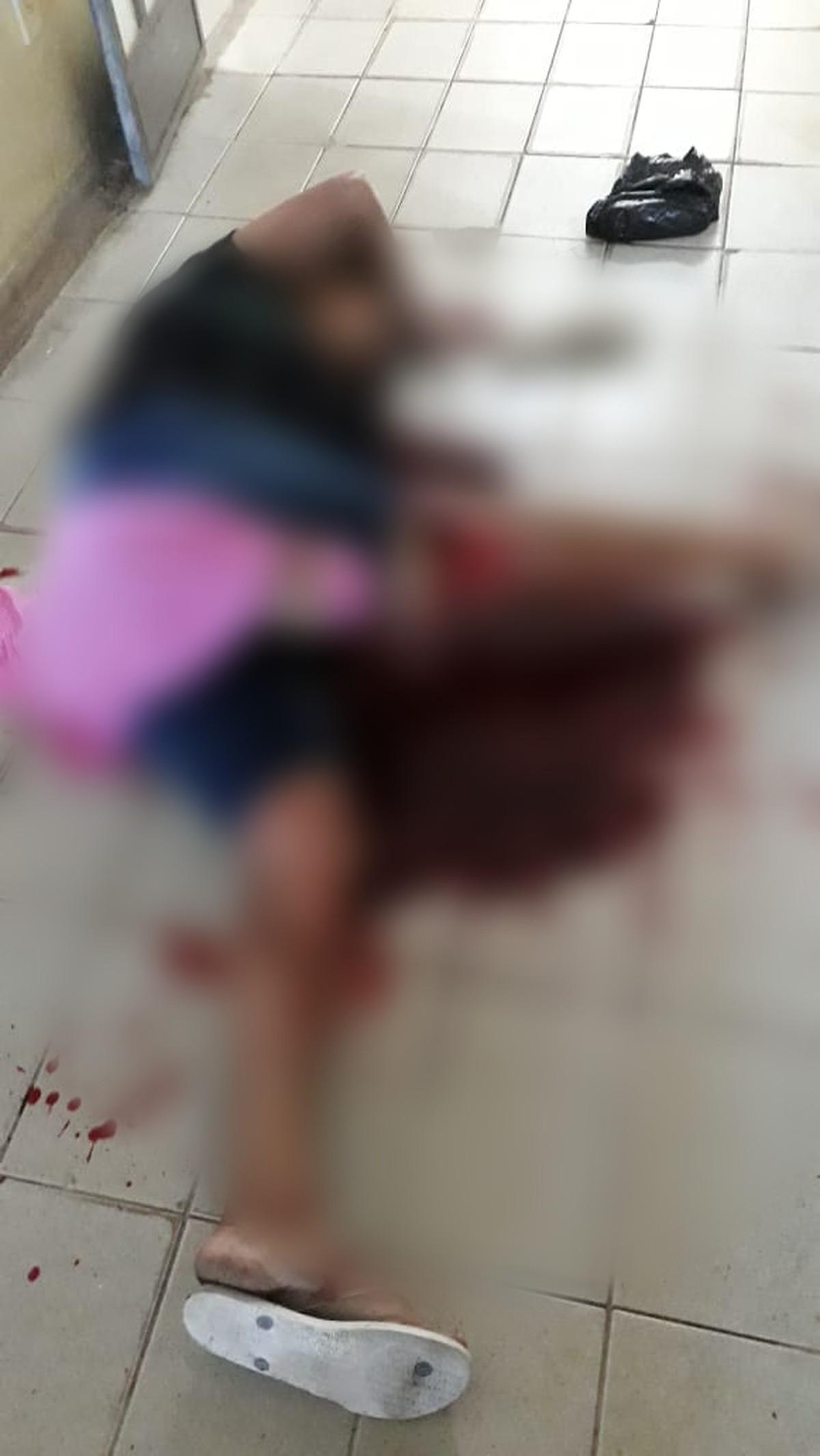Resultado de imagem para mulher morre ao quebrar porta de vidro em sardoa