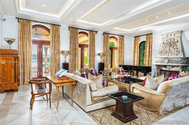 Jennifer Lopez e Alex Rodriguez compram mansão à beira-mar em Miami (Foto: Reprodução / ADP Realty)