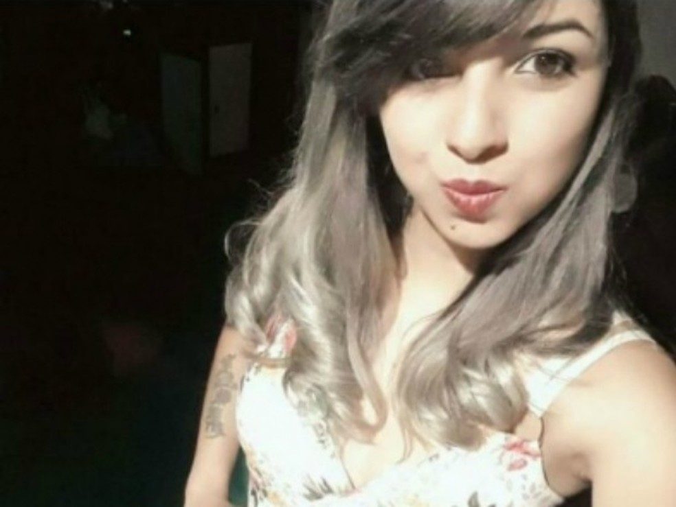 -  Aline Cosmo da Silva, de 22 anos, foi morta a tiros nesse domingo  12   Foto: Divulgação