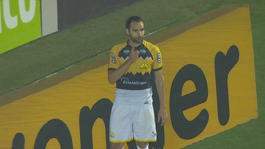Léo Gamalho encerra 2019 como artilheiro do Criciúma; reveja os gols do atacante