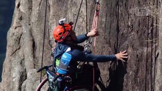 Chinês paraplégico escala montanha de 495 metros em cadeira de rodas: 'Ainda posso fazer o que mais amo'