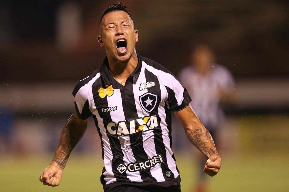 8398c786bb Valencia solta o grito entalado na garganta após 22 jogos (Foto  Vitor Silva  SSPress Botafogo)