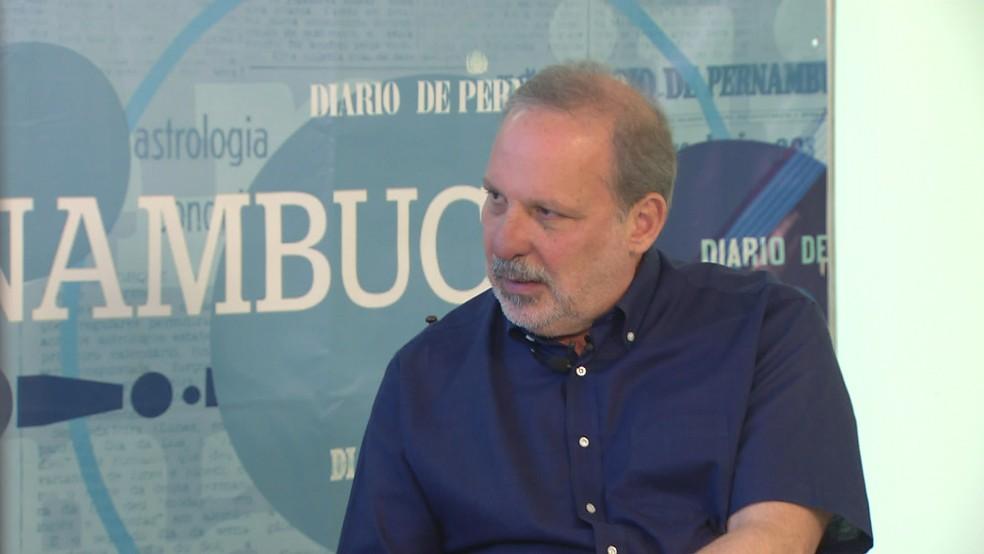 Armando Monteiro participou de sabatina com o Diario de Pernambuco, no Centro do Recife (Foto: Reprodução/TV Globo)
