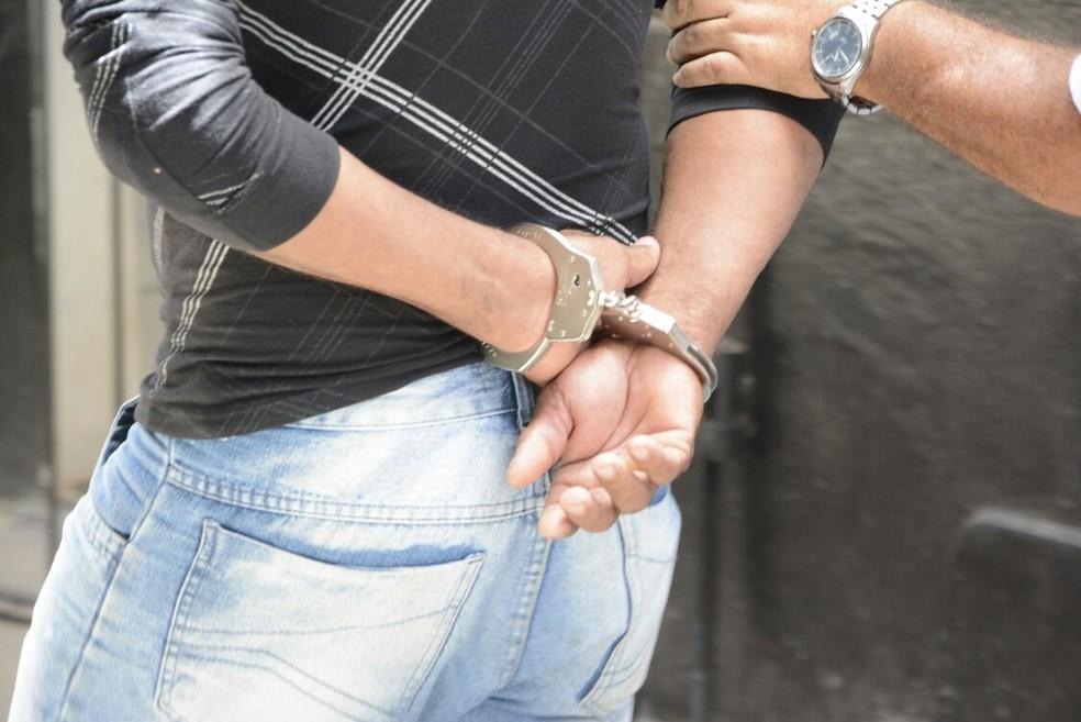 Suspeitos foram detidos pela Polícia Civil durante operação  (Foto: SSP/Divulgação)