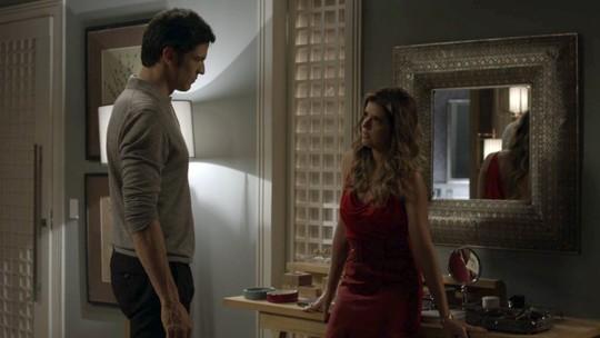 Eric chama Maria Pia para morar no Carioca Palace